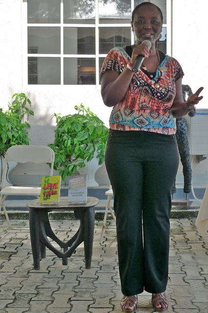 Poet Aye-Ola performs her work and get the audience in the mood
