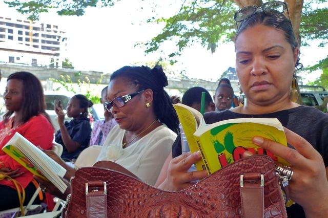 Middle: Ms. Eretoru Oruwari, Igoni's mother, was in the audience